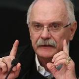 Режиссер Никита Михалков поправляется после воспаления легких