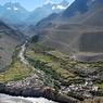 Поиск погибших в горах Непала приостановлен из-за нового схода лавин