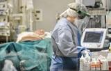 В Омске главврача больницы уволили из-за вспышки коронавируса среди медиков