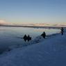 Камчатские спасатели на веслах добирались до льдины, чтобы ребенка не унесло в океан