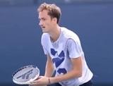 Россия обратилась в оргкомитет Игр из-за вопроса журналиста теннисисту Медведеву