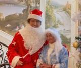 Анастасия Волочкова и Прохор Шаляпин записали поздравление в образах Деда Мороза и Снегурочки