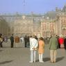 Лувр и Версаль будут работать без выходных, билеты подорожают