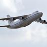 МЧС: Самолет кружит над Тюменью, вырабатывая топливо, из-за отказавшего двигателя