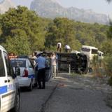 В Турции опрокинулся автобус с россиянами, много пострадавших