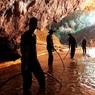 Власти Таиланда опубликовали видео операции по спасению детей из пещеры