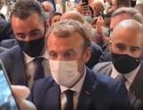 Молодой революционер бросил яйцо в президента Франции во время посещения выставки в Лионе