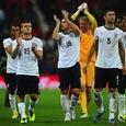 В сборной Англии разразился скандал из-за обнаженной женщины