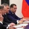 После выборов Д. Медведев вернулся к обсуждению возможности повышения НДФЛ - СМИ