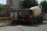 На Каширском шоссе в Москве три полосы перекрыты из-за перевернувшейся бетономешалки