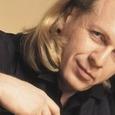 Скончался певец Крис Кельми