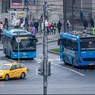 """При столкновении """"Газели"""" и рейсового автобуса в Москве погиб человек"""