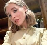 "Актриса Кристина Асмус переносит коронавирус дома: ""Температуры нет. Запахов и вкуса тоже"""