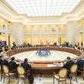 Шувалов посоветовал россиянам скупать не валюту, а квартиры