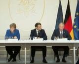 Путин поговорил по телефону с Меркель и Макроном