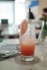 Сок из грейпфрута нельзя сочетать с таблетками, предупреждают медики