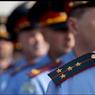 """Полиция сторожит националистов у метро """"Пражская"""" в Москве"""