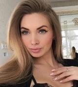 """""""Икона силикона"""" Евгения Феофилактова собралась в политику с помощью депутата"""