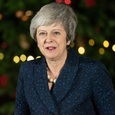 Тереза Мэй сохранила пост премьер-министра Великобритании
