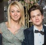 Яна Рудковская похвасталась сыном Колей, которого приняли за девочку