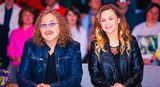 Солнце, венки, идиллия: Игорь Николаев показал совместные фото с женой и дочкой