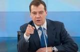 Медведев ответил на обвинения главы Грузии в организации протестов