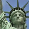 Статуя Свободы выдержала удар молнии