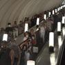 В Москве малышка затащила на эскалатор коляску с братом: оба полетели вниз