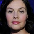 """Ведущая программы """"Время"""" Екатерина Андреева показала, как правильно надо загорать"""