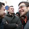 Навальному удалось простоять у здания суда около получаса