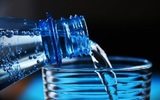 Медик рассказала, кому противопоказана минеральная вода