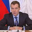 Медведев: Кабмин разработает план по импортозамещению в октябре