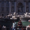 Фонтан «Треви», где традиционно заканчиваются все экскурсии по Риму, хотят огородить