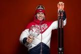 Лыжник Большунов рассказал, как летом отец делает ему трассу с настоящим снегом под Брянском