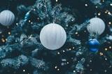 Россияне потратили почти триллион рублей за новогодние праздники