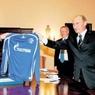 """Путин пригласил немецкий футбольный клуб """"Шальке"""" посетить Кремль"""