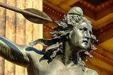 Новосибирский вуз прикрыл тканью античные статуи к приезду делегации РПЦ