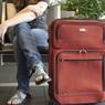 Уехать из России хотят уже больше половины молодых россиян
