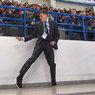 Танцующий охранник восхитил зрителей хоккейного матча