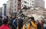 В Стамбуле обрушилось многоэтажное здание