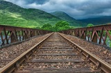 Теперь любители полихачить на железнодорожном переезде могут и прав лишиться