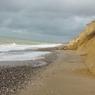 На один из пляжей Одессы обрушилось трехметровое цунами