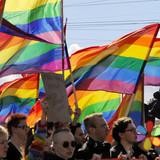 Радикалы не смогли сорвать многотысячный гей-парад в Киеве