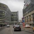 Увеличение свободных торговых площадей неизбежно и в торговых центрах, и на улицах?