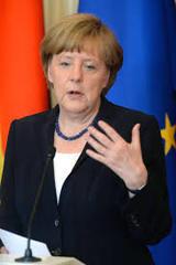 Меркель: нужно улучшать отношения с Россией