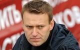 Уральский депутат отправил Навальному короб зеленки