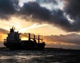 Три человека пропали после столкновения российского танкера с катером в Черном море