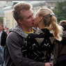 Медики рекомендуют чаще целоваться