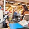 Британские магазины отказываются принимать новые банкноты, «убитые» краш-тестами