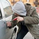Автомобиль супруги игрока «Ак Барса» «обчистили» воры